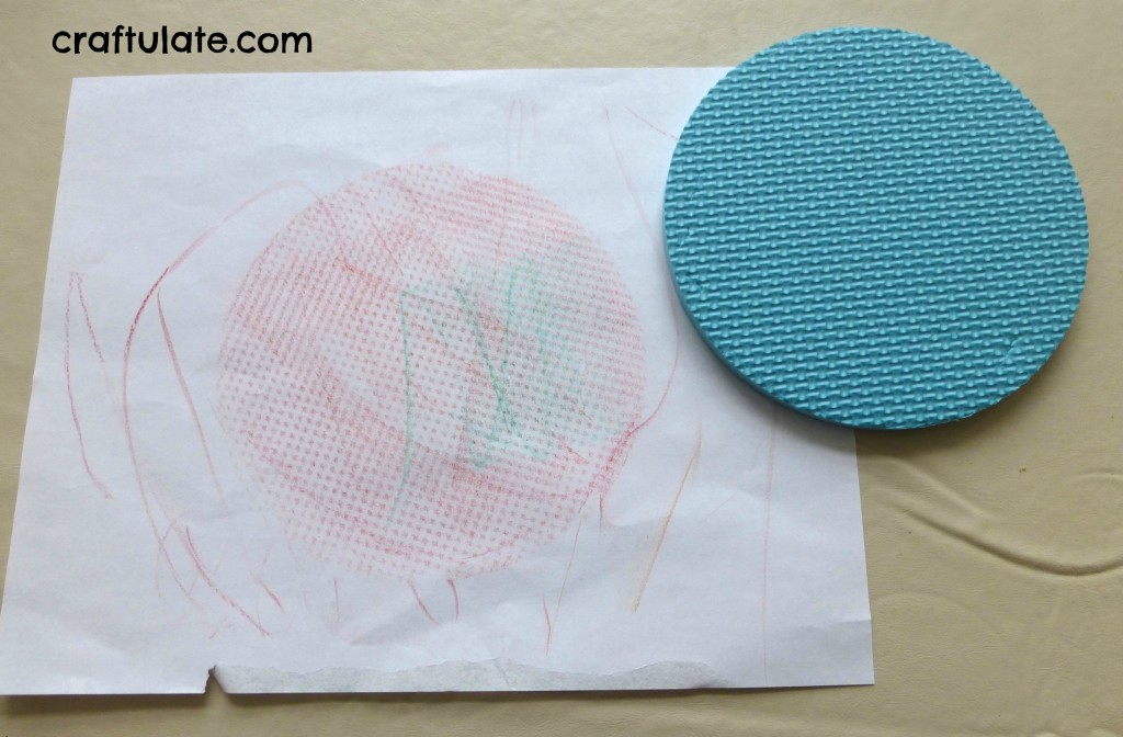 Craftulate: Crayon Rubbings