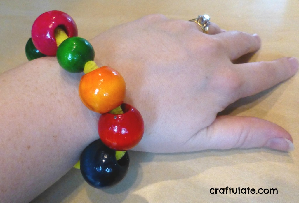 Craftulate: Fine Motor Fun with Beads and Pipe Cleaners