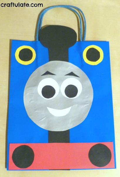 Thomas the train template pictures to pin on pinterest for Thomas the tank engine face template
