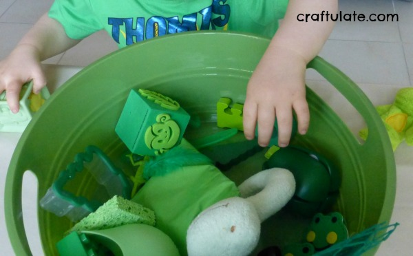 Green Crafts and Activities (Learning Colors with Brown Bear)
