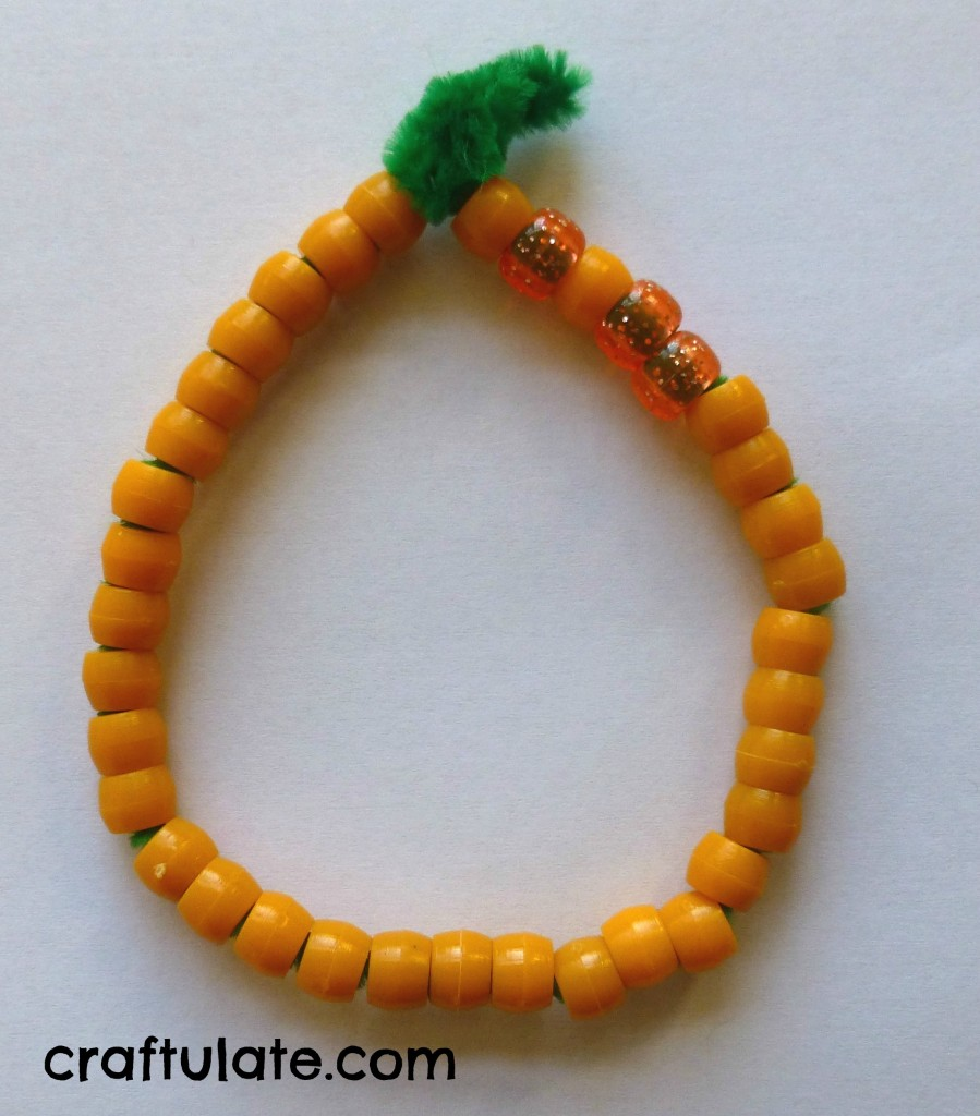 Pipe Cleaner and Straw Bracelets [Fine Motor Fridays]