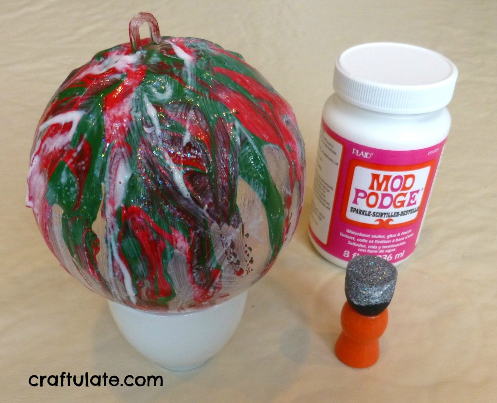 Craftulate: Sparkly Pour-Paint Ornaments
