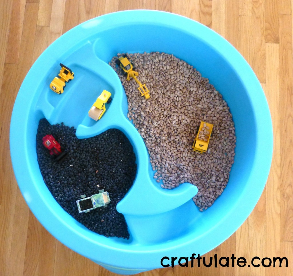 Craftulate: Dried Bean Sensory Table
