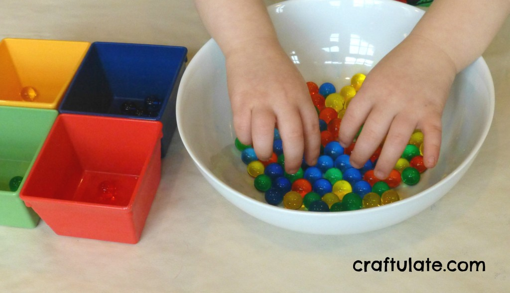Craftulate: Colour Sorting with Water Beads [Fine Motor Fridays]