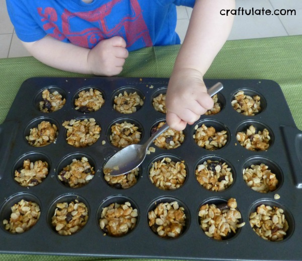Fruit and Nut Crispy Cakes - for kids to make!