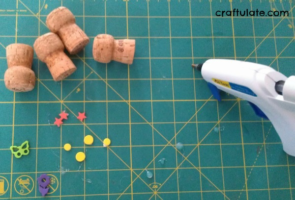 DIY Champagne Cork Stamps for Kids. Great for toddlers to grip!