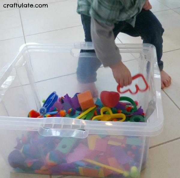Crazy Colour Sensory Bin - great for toddlers!