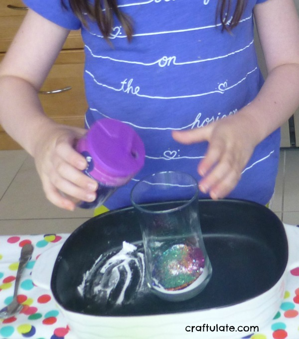 Sparkle Science Fun - a glittery explosion that kids will love!