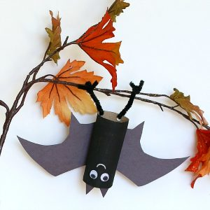 Hanging Bat Craft from Buggy and Buddy
