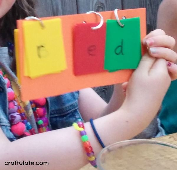 DIY First Words Flip Book - great for kids that are just learning to read and spell!