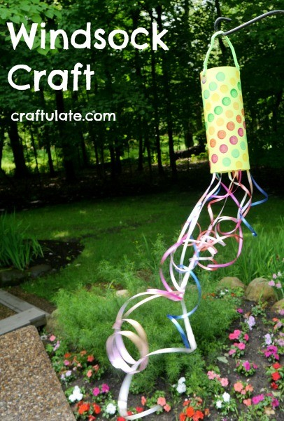 Windsock Craft - a super fun craft for spring or summer