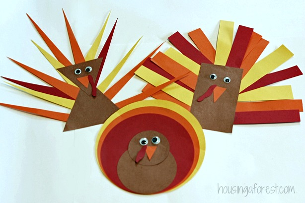 Corn Husk Turkey Craft From A Little Pinch Of Perfect This Clever Uses Painted Husks For The Turkeys Feathers