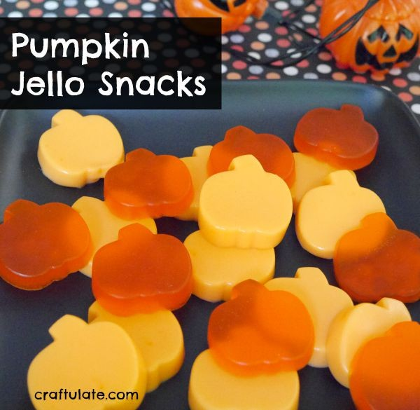Pumpkin Jello Snacks - perfect for Halloween parties!
