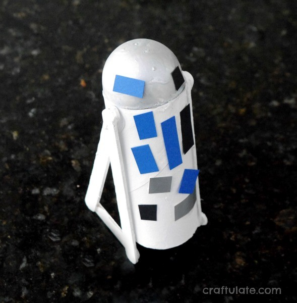 Simple R2-D2 Craft - little Star Wars fans will love making this cute droid from recyclables!