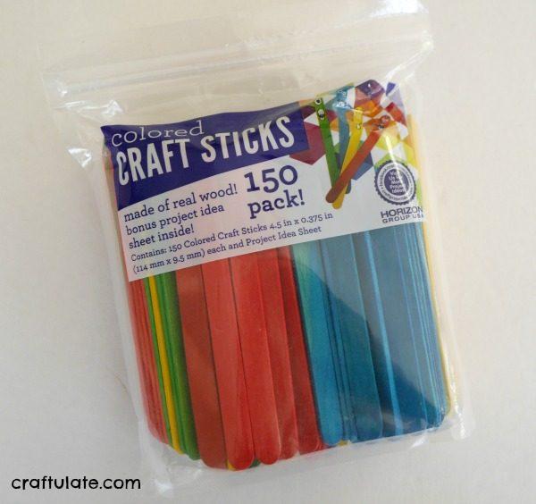 Craft Stick Kayak Craft - a fun craft for kids to make!