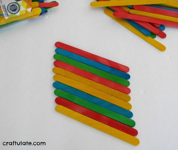 Craft Stick Kayak Craft - a fun craft for kids to make!