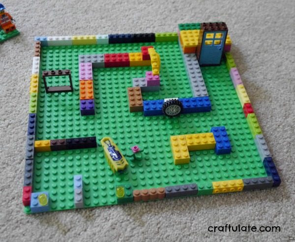 LEGO Maze for Hexbugs - a cool building project for kids