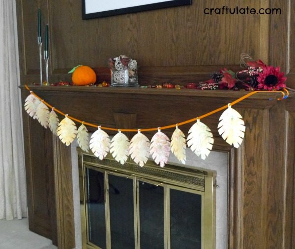 Marbled Leaf Garland - a pretty decoration for kids to make this fall!