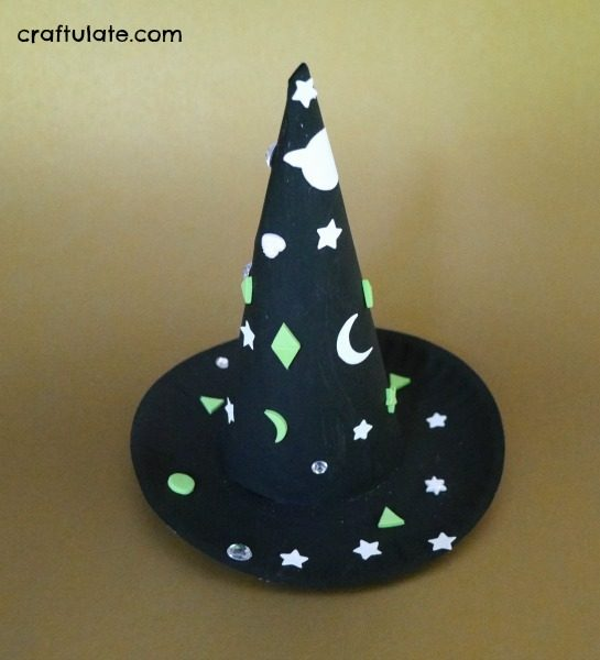 Paper Plate Witch Hat - a fun Halloween craft for kids!
