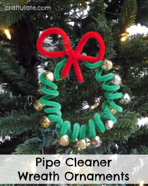 Pipe Cleaner Wreath Ornaments - kids will love making these jingle bell wreaths!