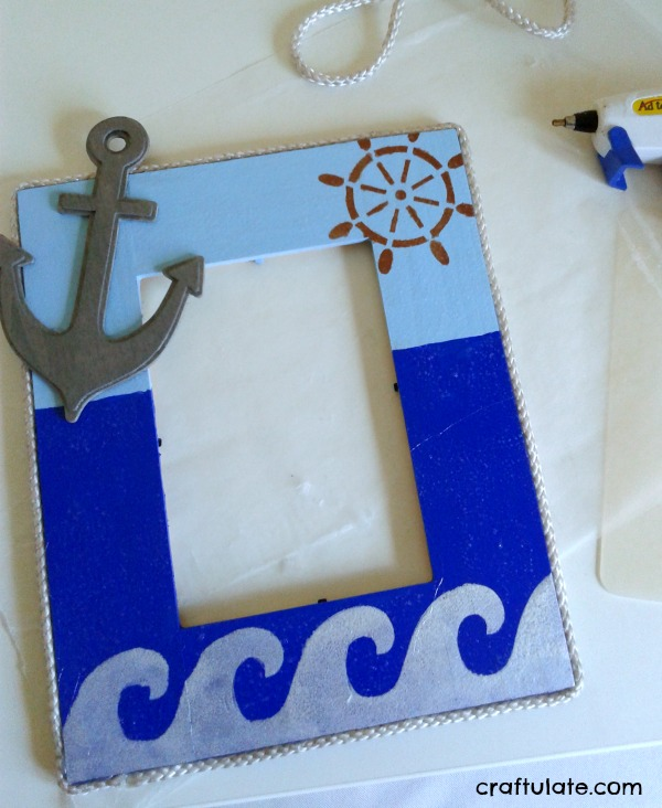 Decorated Boat Photo Frame - kids can help make this gift!