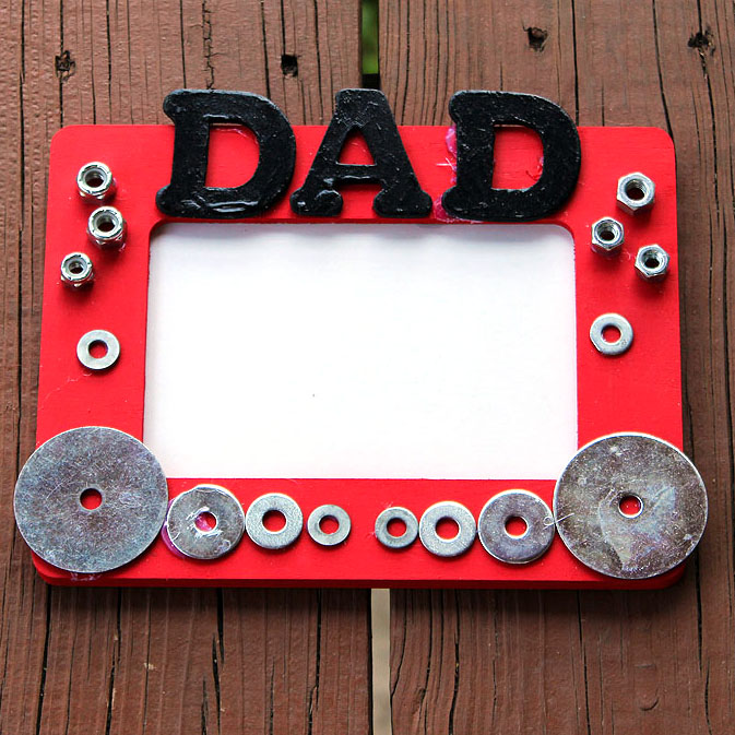 Homemade Fathers Day Gifts for Handy Dads - 8 craft ideas including cards and gift wrap!
